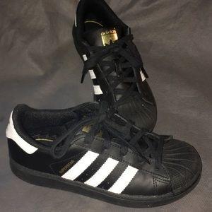 Youth Adidas-LIKE NEW!!